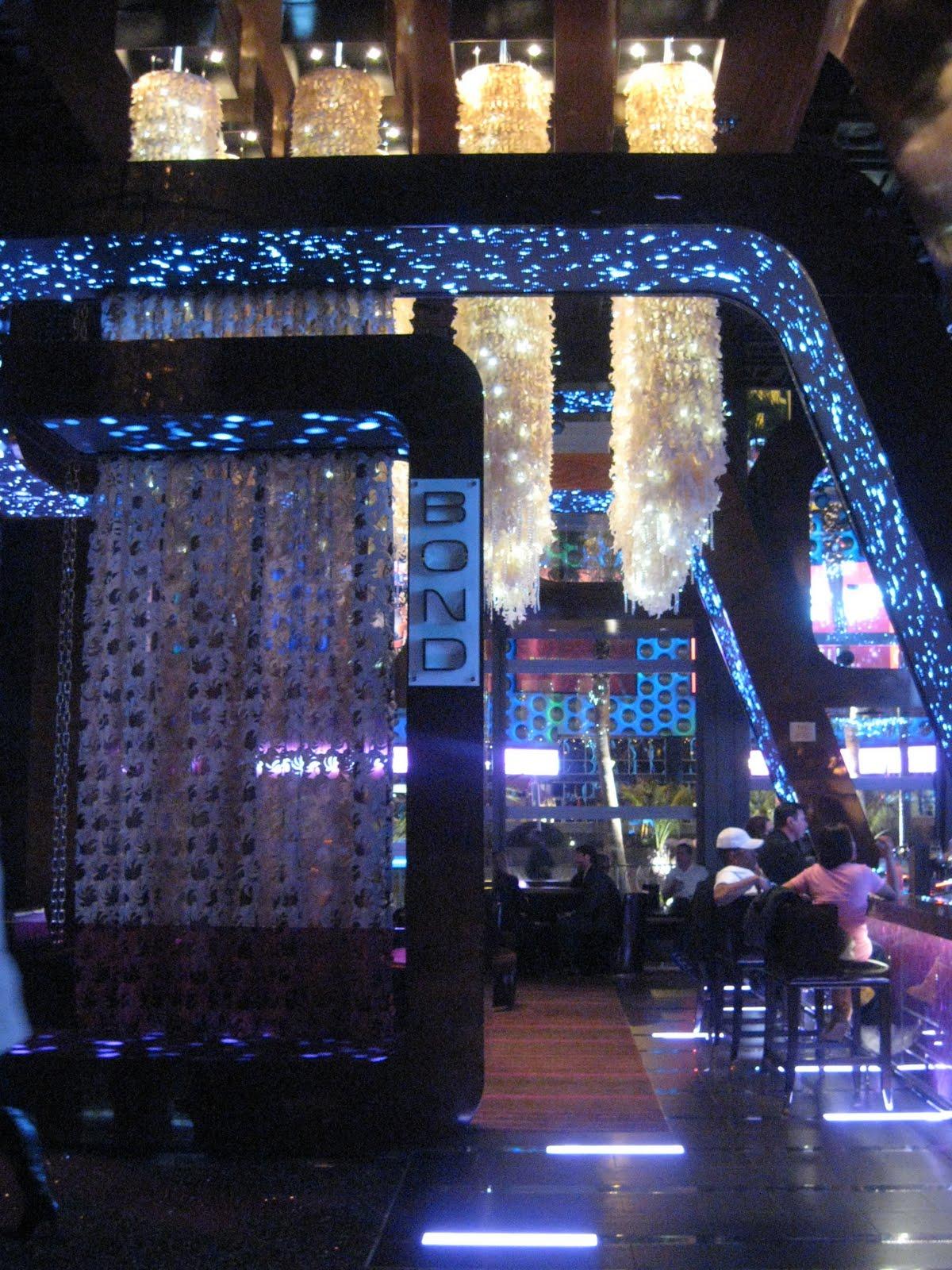 The Cosmopolitan Las Vegas A Glam Girlfriend Getaway