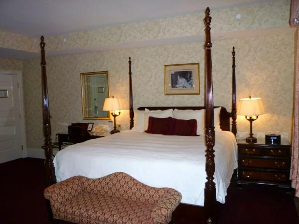 Wayne Hotel- room 2