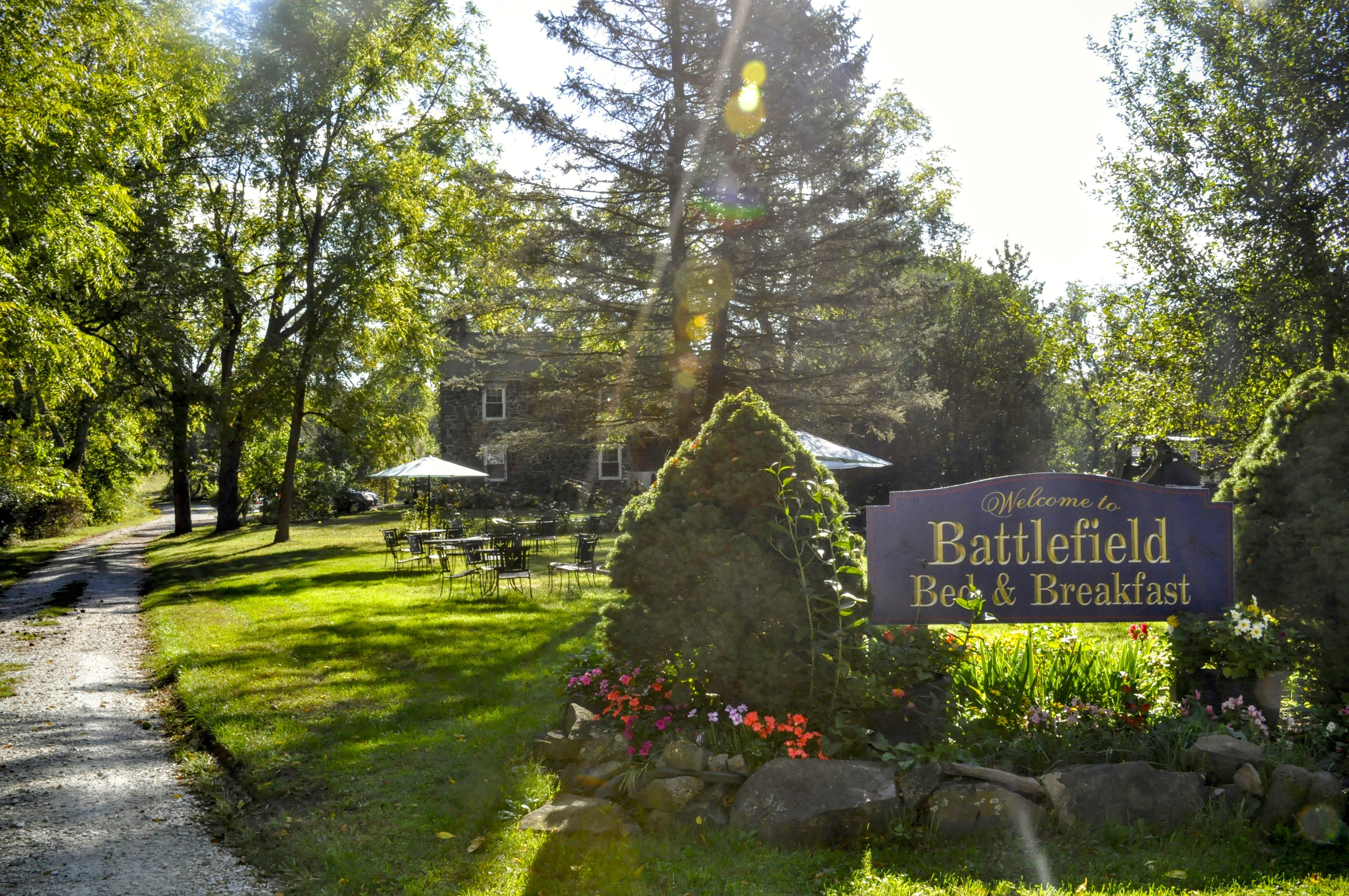 Packed Suitcase Gettysburg Getaway Battlefield Bb Exterior