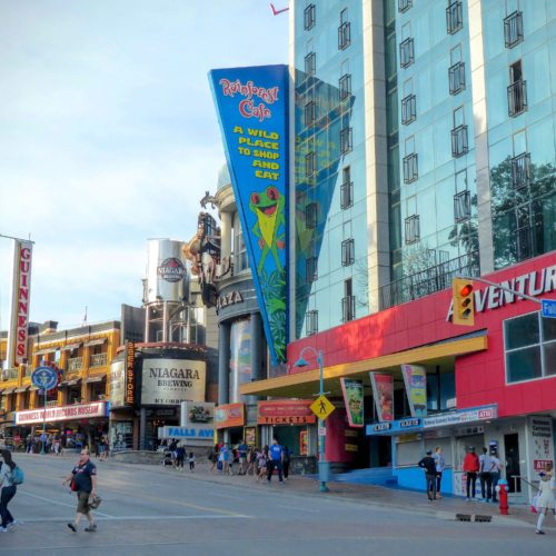 niagara-falls-clifton-hill-neighborhood-2