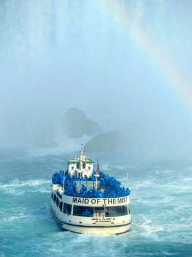 niagara-falls-maid-of-the-mist-rainbow