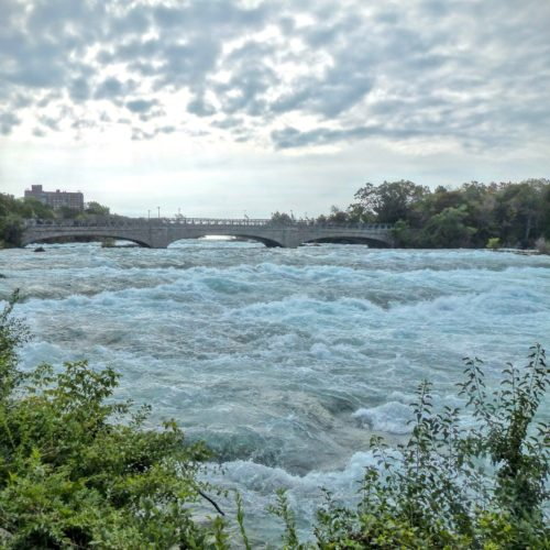 niagara-falls-ny-choppy-waters