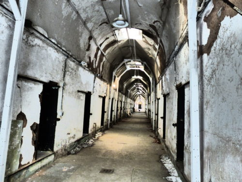 philadelphia-eastern-state-penitentiary-spooky-cell-blocks